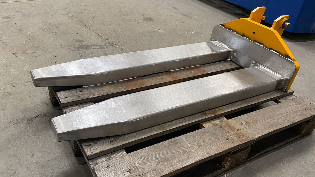 Stainless steel claddings: Not only for VETTER Forks